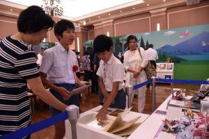 九州創価学会 「絵本とわたしの物語展」霧島展を開催