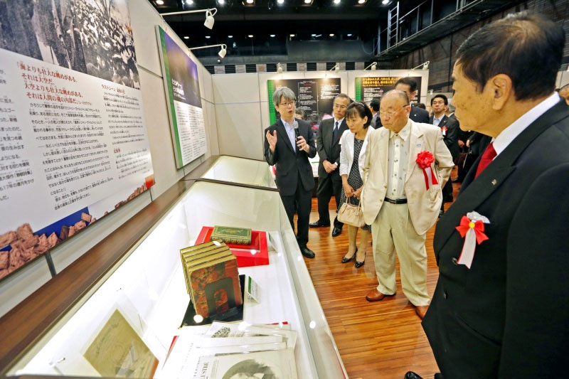 九州創価学会 「世界の書籍展」福岡展を開催