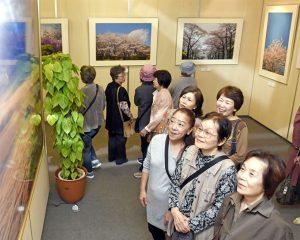 九州創価学会 福岡・春日市で自然との対話写真展