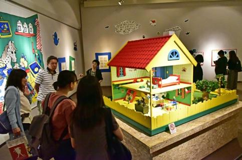 九州創価学会 長くつ下のピッピの世界展 福岡で開幕